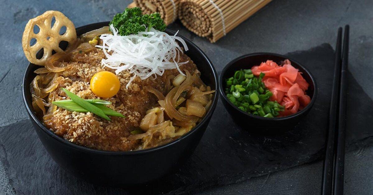 Japanese Recipe: Katsudon (Breaded Pork Cutlet Over Rice)