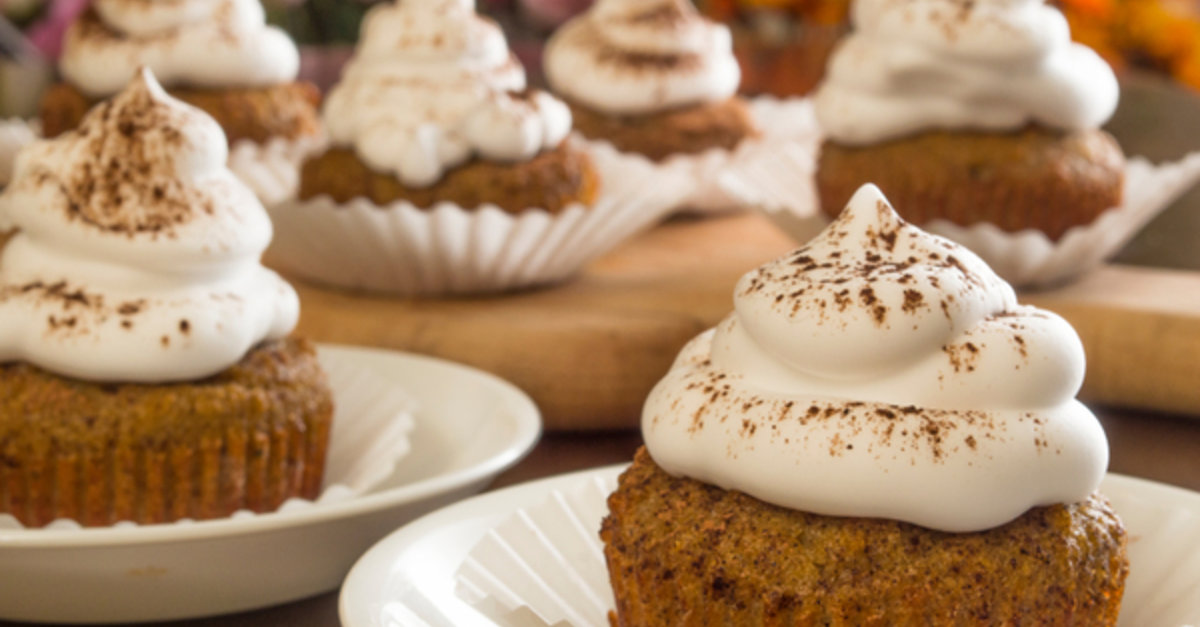 These Ginger Spice Cupcakes Are Bursting With Christmas Flavor!
