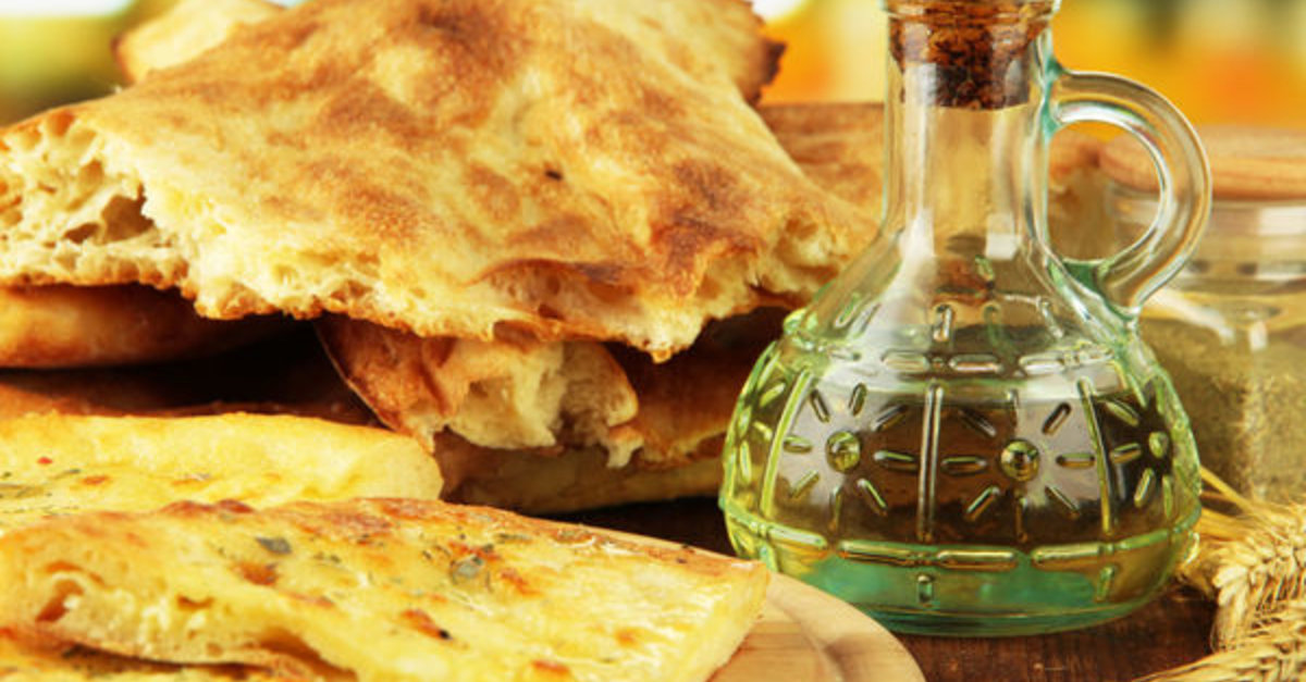 Greek Recipe: Homemade Puffy Pita Bread