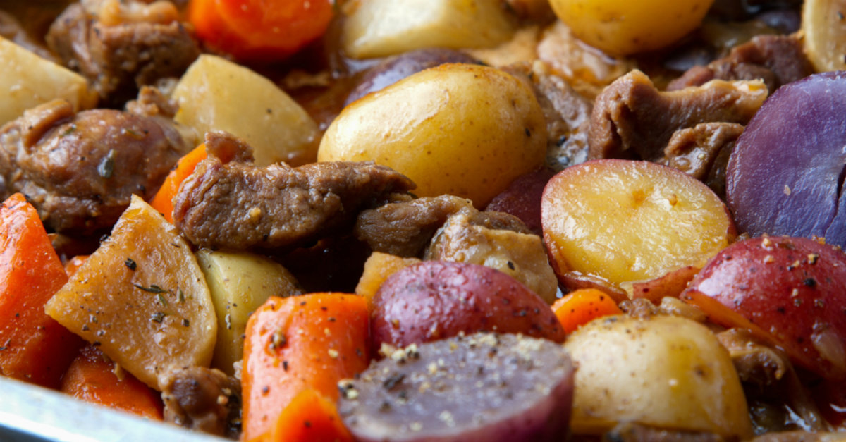 Dried Beef Gravy >> Rustic Beef and Potato Stew – 12 Tomatoes