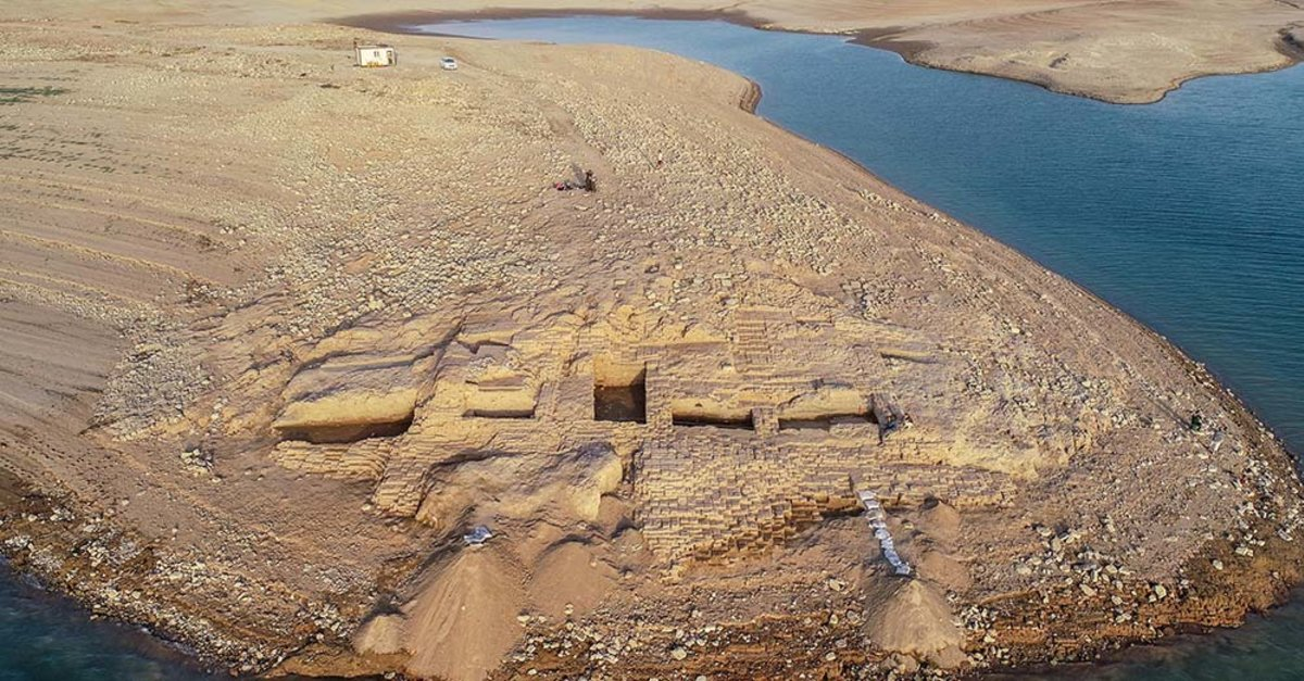 Severe Drought Has Revealed An Ancient Palace in Iraq