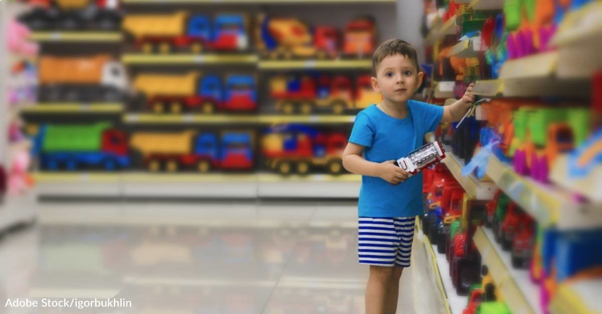 Mom of Two Boys with Autism Grateful After Store Employee's Kind Gesture for Her Sons