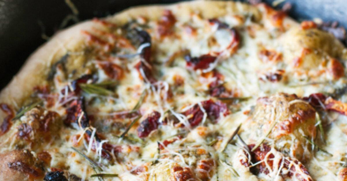 Vegetarian Pizza Recipe: Rosemary & Sun-Dried Tomato Pesto Pizza
