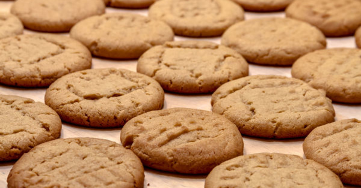 The Easiest Cookies You'll Ever Make – 4-Ingredient Peanut Butter Cookies
