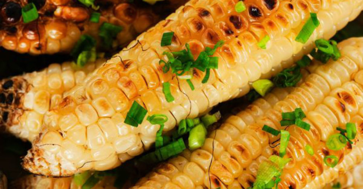 Sizzling side dish grilled corn on the cob 12 tomatoes for Side dish recipes for grilling out