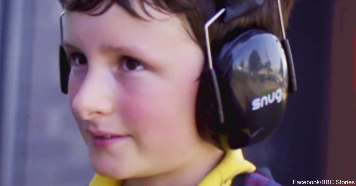 noise cancelling headphones have opened a new world for this boy with autism the autism site blog. Black Bedroom Furniture Sets. Home Design Ideas